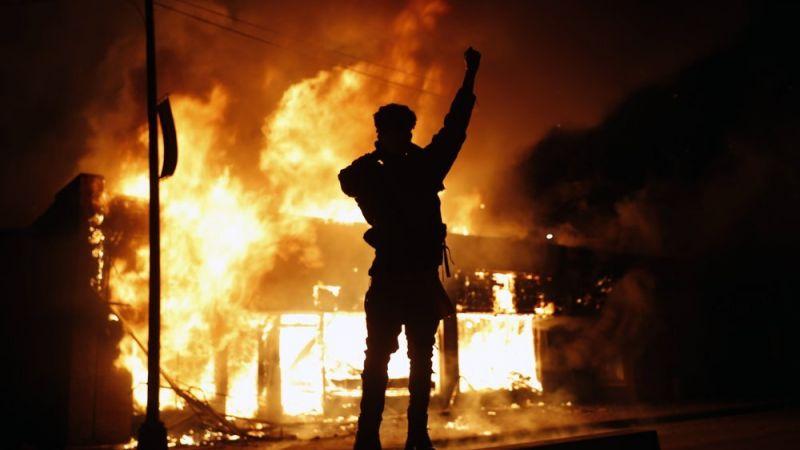 احتجاجات مينيابوليس أذابت مساحيق الديمقراطية والحريّات بأمريكا...!