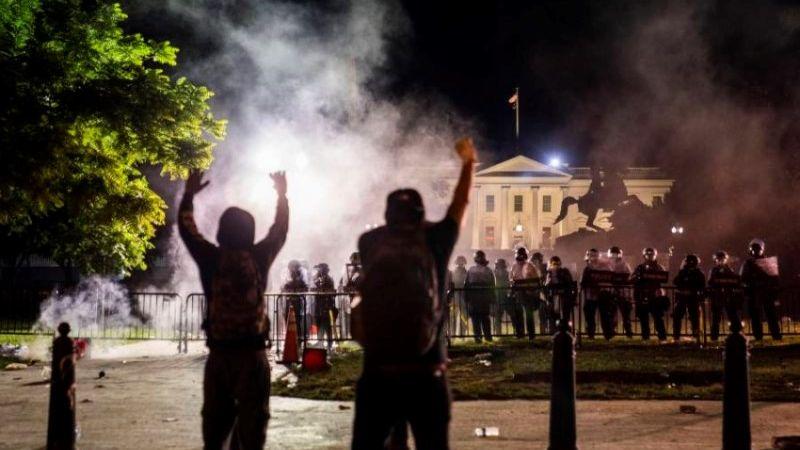 التظاهرات تحاصر ترامب في البيت الأبيض